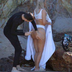 Kim Kardashian bare butt