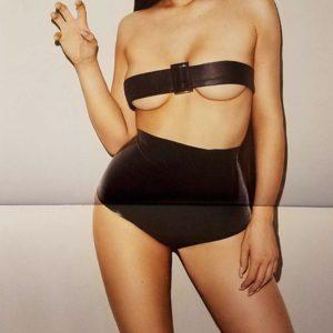 Kylie Jenner sexy naked